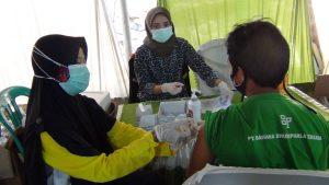 Buruh PT. Bahana Bhumiphala Persada Tengah di Vaksin